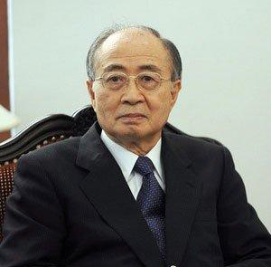 Yasushi Akashi (1931– )