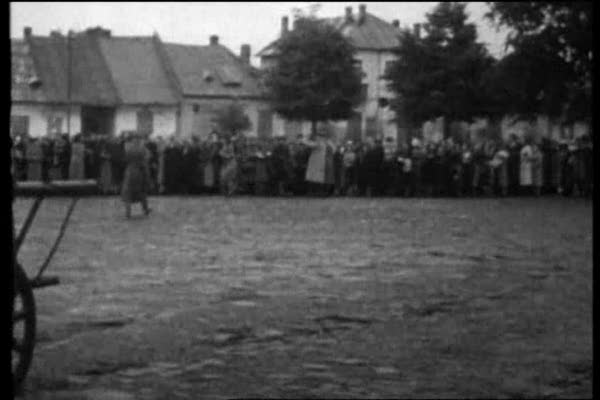 Auschwitz: The Nazis and the Final Solution I-II 22.