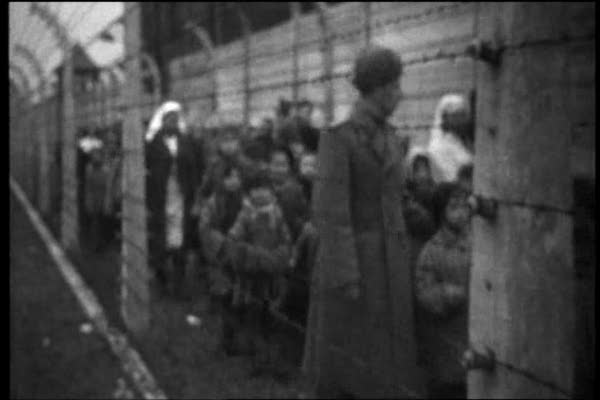 Auschwitz: The Nazis and the Final Solution I-II 27.